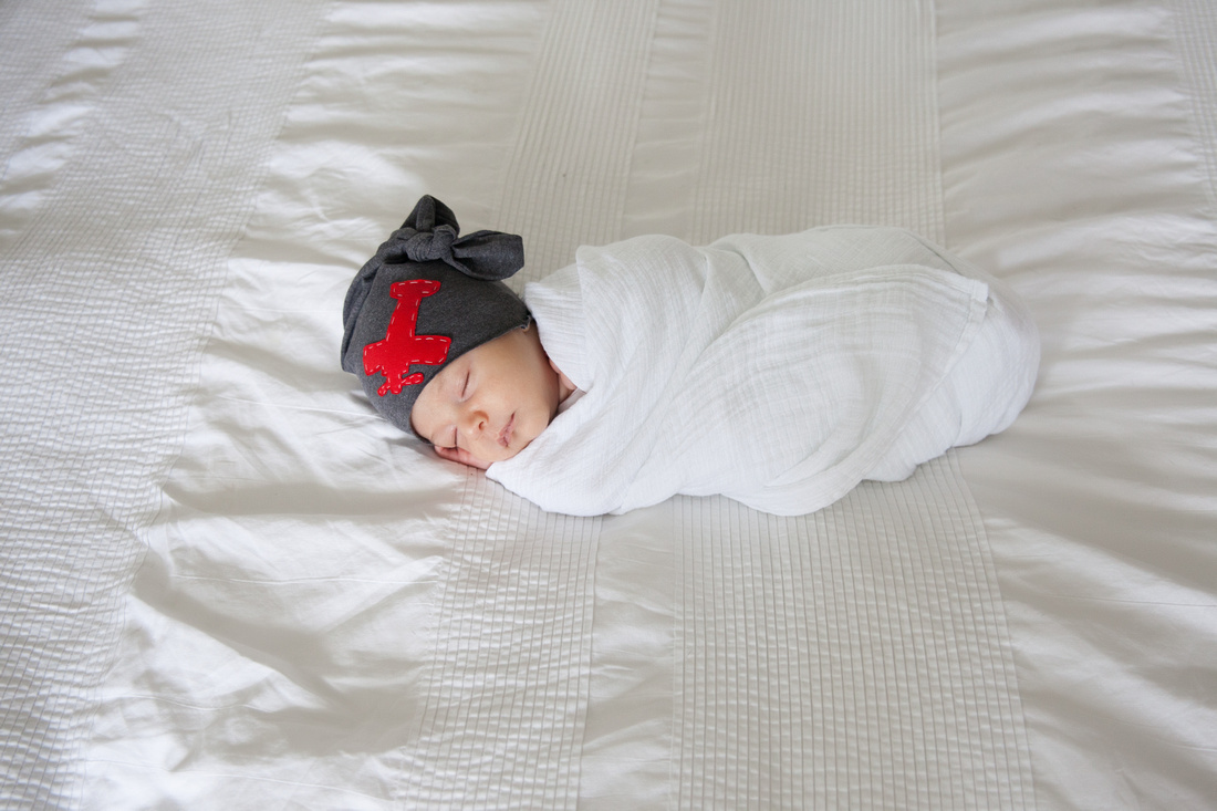 Lifestyle Newborn Session/Tampa Photographer